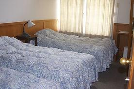 pension202~5 bed.JPG