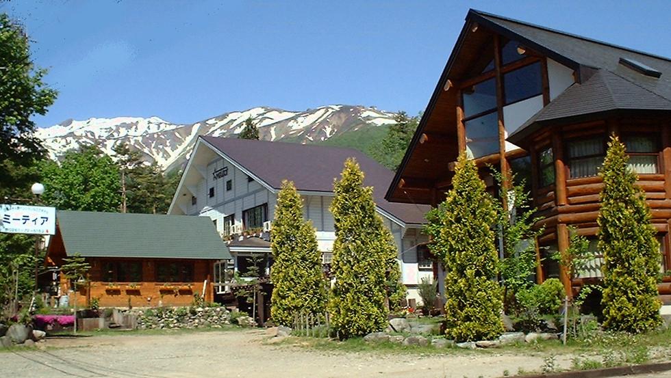 METEOR Lodge(pension & log hotel).jpg
