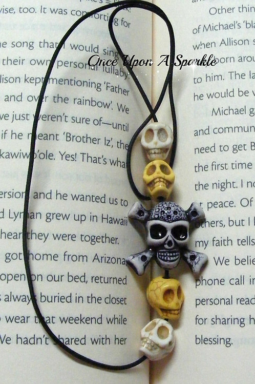 Elastic bookmark with skulls