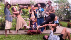 Drifting Circus in Raiatea