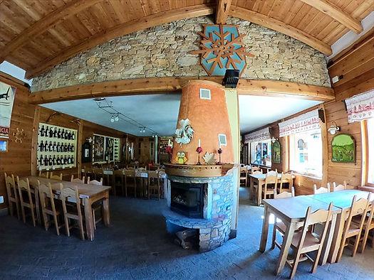 ristorante_monsoleil_chalet_edited.jpg