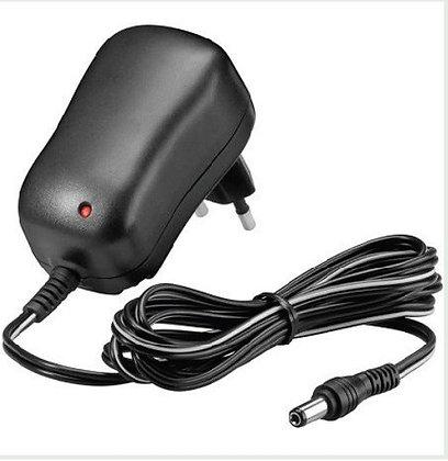 adapter 12 V / 2 amp.