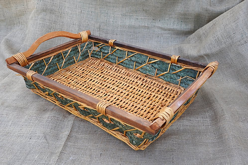 Καλάθι ψάθινο με ξύλινο σκελετό δίχρωμο