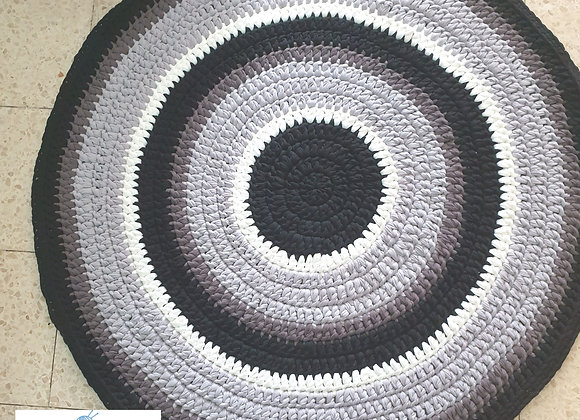 שטיח סרוג בגווני אפור