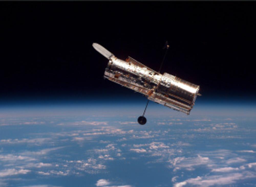 Hubble_in_free_orbit