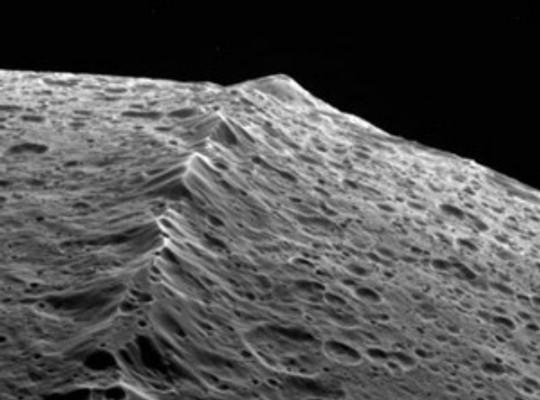 Equatorial Ridge on Iapetus