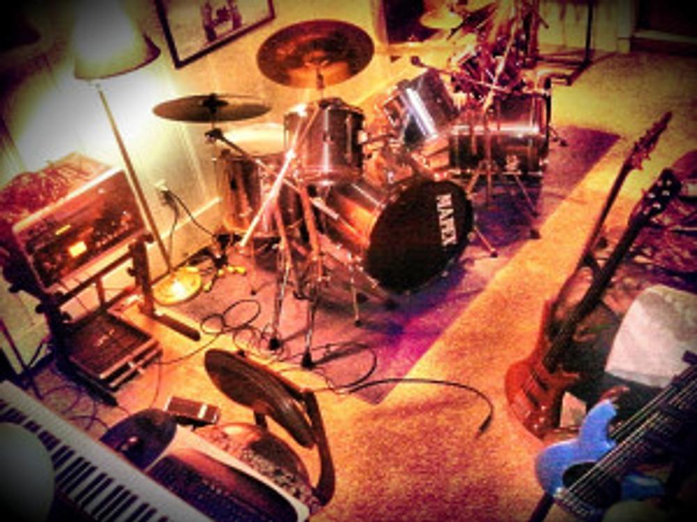 Jay Lamm studio with instruments