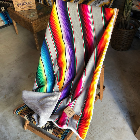 Salvage Maria SALTILLO SERAPE BLANKET WITH SHERPA LINING - GREY
