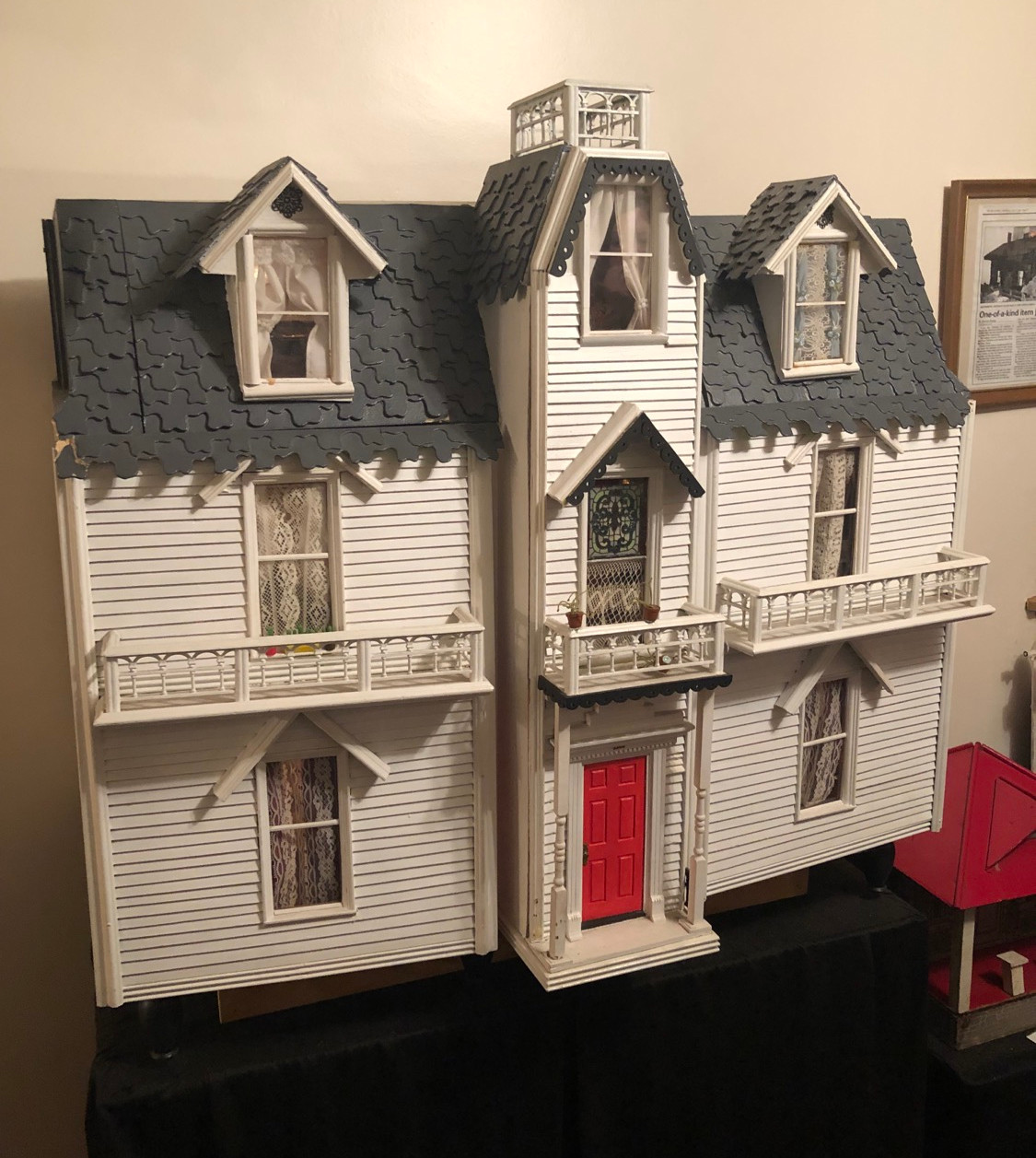 Dollhouse with Puzzle piece roof