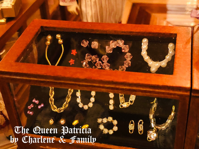Boutique jewelry counter.JPG