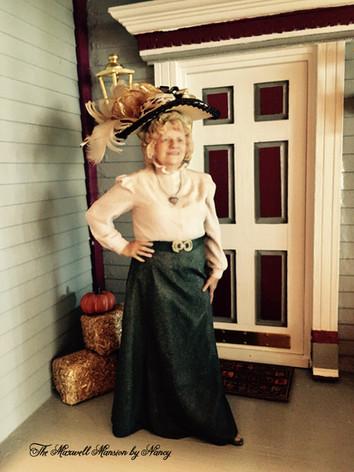 Mini-Nancy front door.JPG