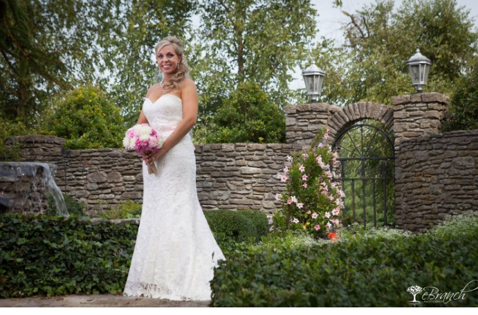 A Bridal Moment in the Gardens