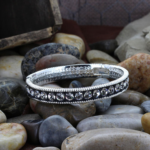 Montana Silversmiths Crystal Shine Bangle Bracelet