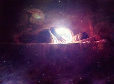 「睡眠編程法則」:讓高我在你睡眠時幫你出差辦點事,從靈層面重設路徑
