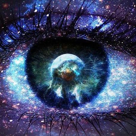 【眼神交會、自我凝視,以及眼睛的靈性意義】