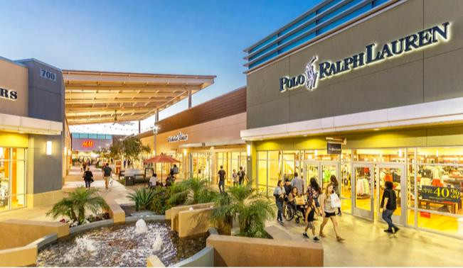 Tanger Factory Outlet Centers (SKT) sells stock, pays down debt, time to buy? With a return of customer traffic, new tenants, paying down debt, this REIT a good investment.