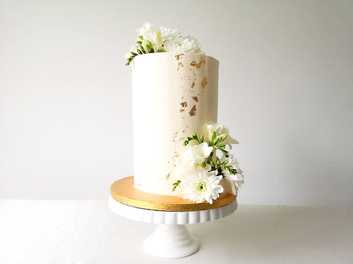 Simple Elegant Tall Cake for a Small Wedding in Dublin