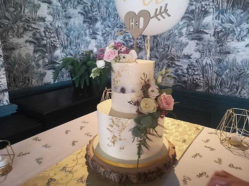 Eves Cakes Dublin Wedding Cake Golf Leaf