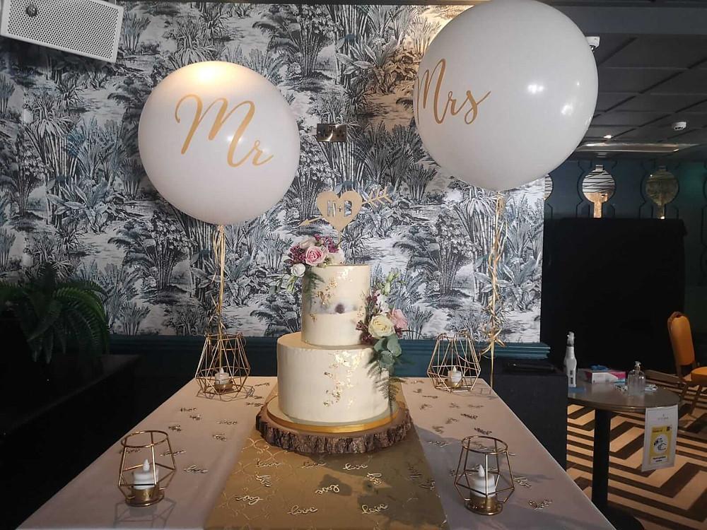 Wedding Cake Accessories in a Dublin Wedding
