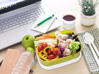 5 Healthy Snacks to Eat at Your Desk