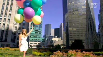 mtv-house-of-style-giant-balloons-vogue-remake