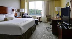 newport news hotel room phfoy-guestroom-
