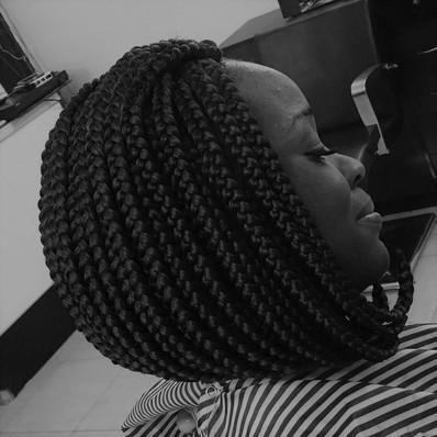 Womens Hairstyle 4 (2).jpg