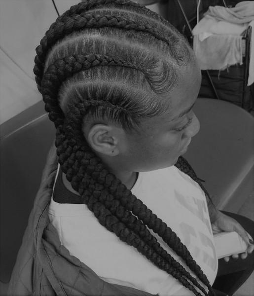 Womens Hairstyle 6 (2).jpg