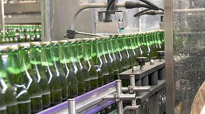 08 file de bouteilles.jpg