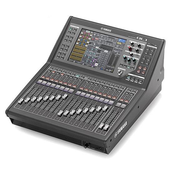 Yamaha QL1 32 Channel Digital Desk