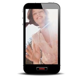 笑顔の女の子とスマートフォン