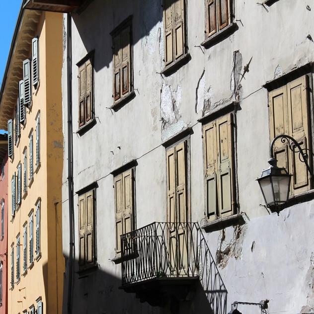 Fassade mit Putzschäden