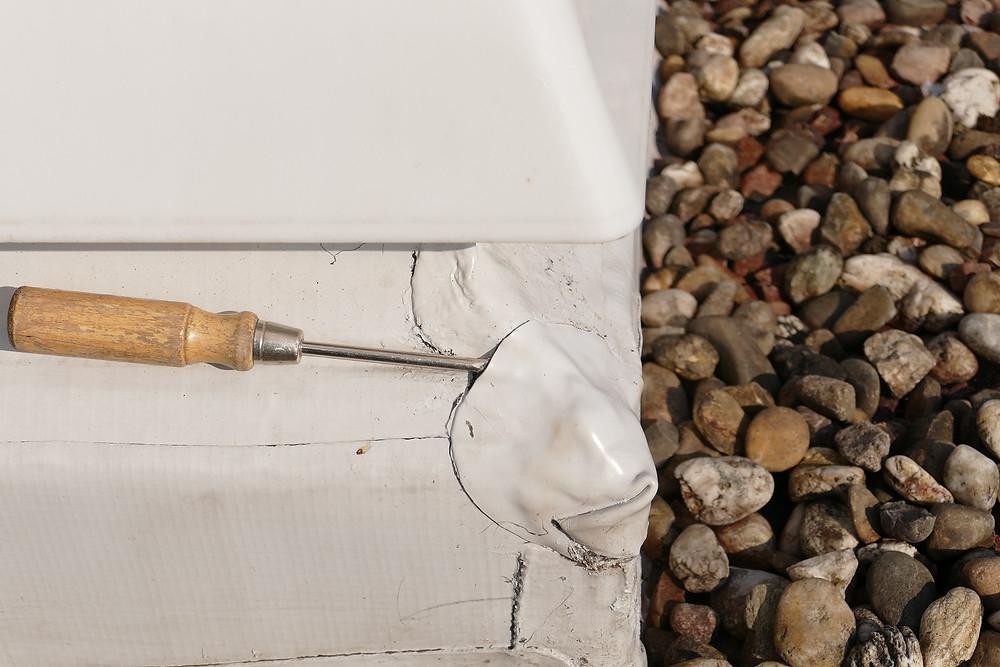 Undichter Anschluss einer Kunststoffabdichtung an ein Oberlicht