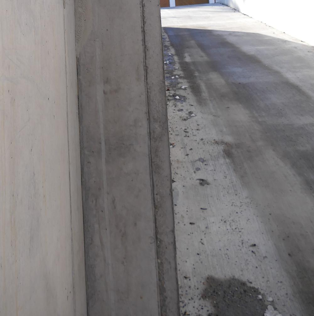 Übersichtsbild der Rampe der Tiefgarage.
