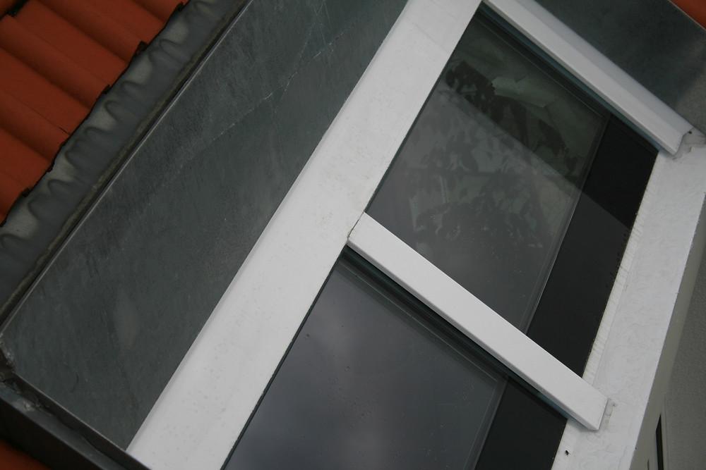 Die umlaufenden Anschlüsse des Dachfensters waren fachgerecht hergestellt.