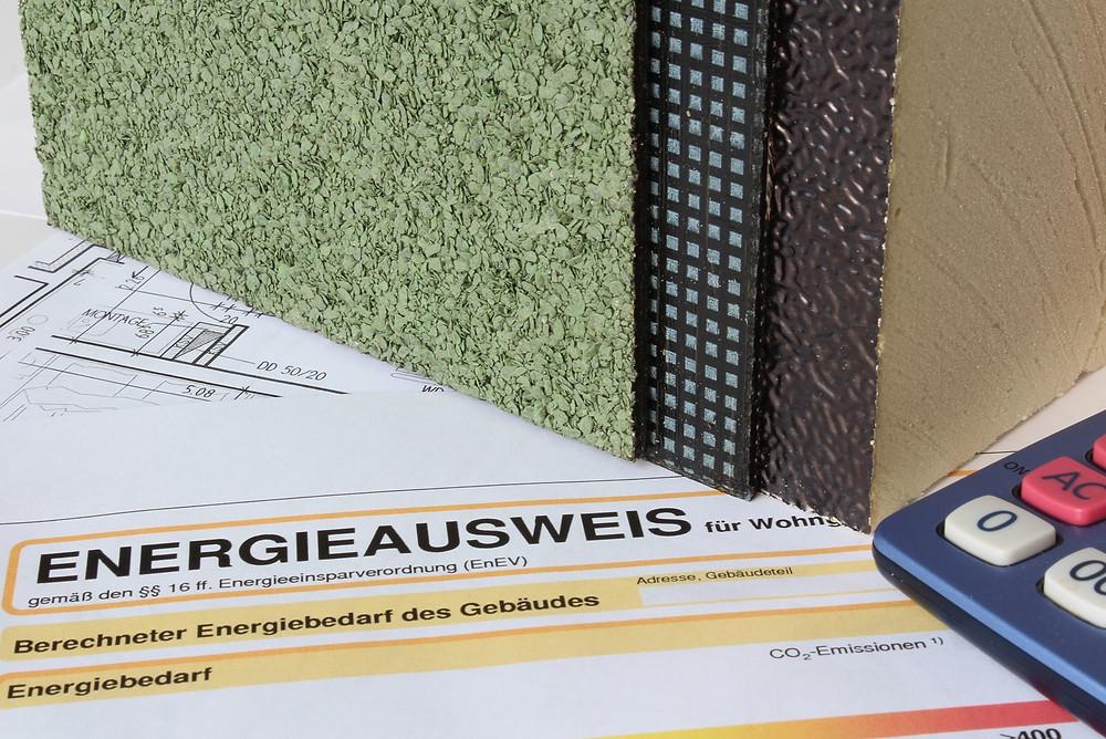 Bei einer neuen Dachdämmung muss die Energieeinsparverordnung beachtet werden