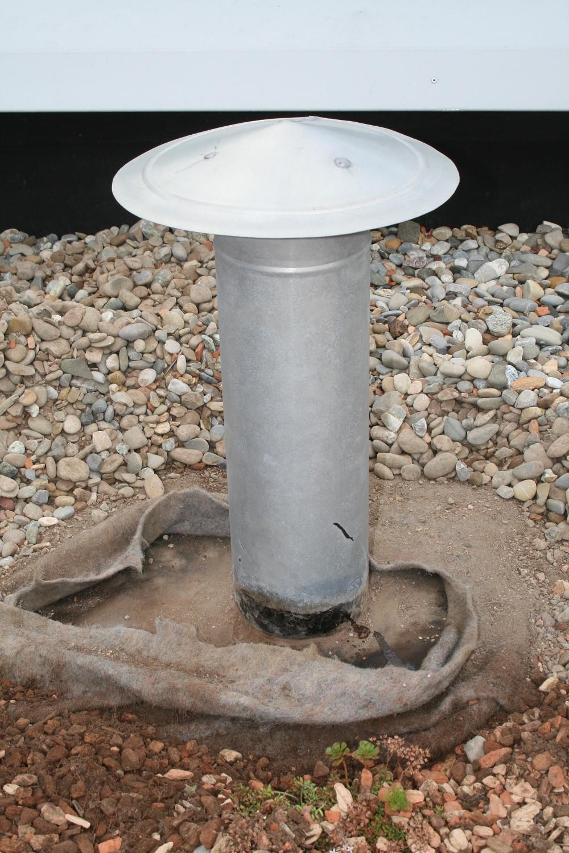 Flachdachdetail, Anschluss an ein Lüftungsrohr