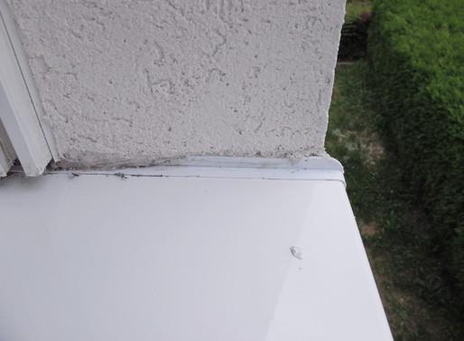 Probleme an Wärmedämm-Verbundsystemen, Folge 1: Ungeeignete Fensterbankanschlüsse