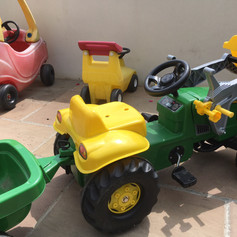 Ride on cars and tractors