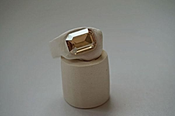 web_Ring_beige_6.jpg