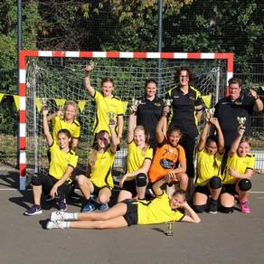 Handbaljeugd sv Conventus viert twee kampioenschappen