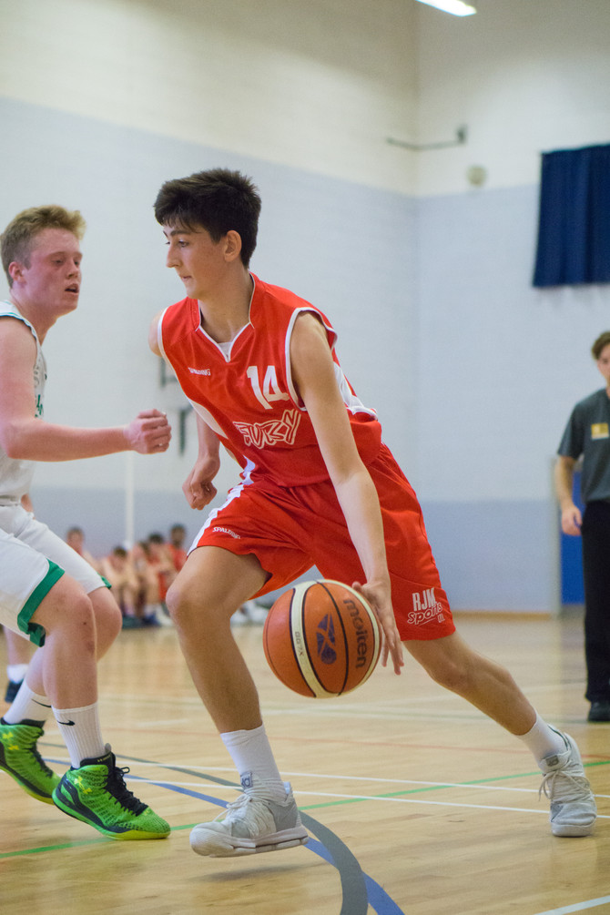 FURY JUNIOR MEN STAY ON TITLE COURSE
