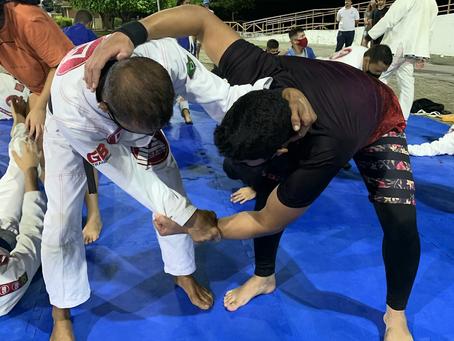 Aulão gratuito oferece JIU-JÍTSU para lutadores na Orla Lagunar de Marechal Deodoro