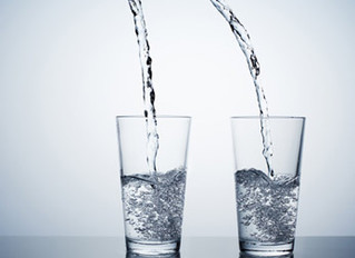 6 Things Drinking 2 Glasses of Water each Morning Does for Your Body!