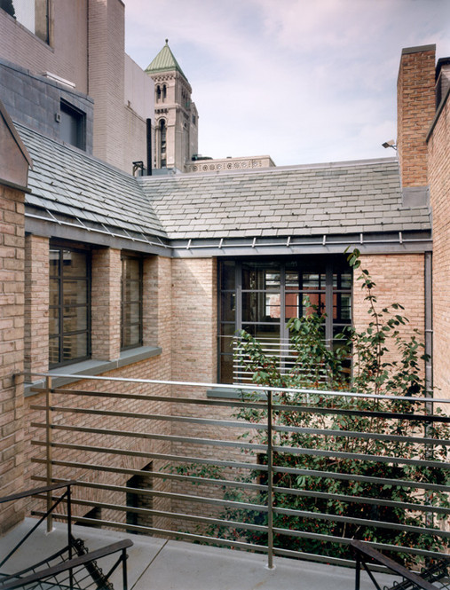 008 Manhattan Townhouse Courtyard.jpg