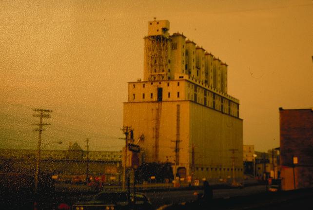 010 Le Vieux Port de Montreal Grain Elev