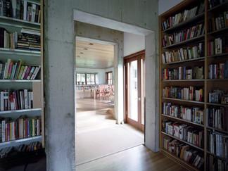 019 Art Studio and Residence Interior.jp