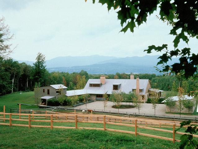 020 Mountain Residence Exterior.jpg