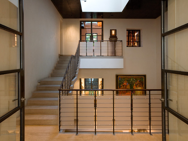 002 & 23 Manhattan Townhouse Interior.jp