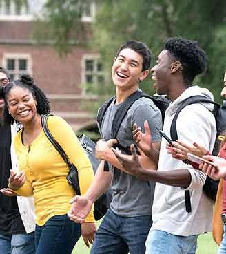 世界中の学生と交流する